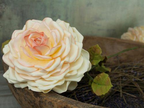 34a2e864d8 TUTORIAL  Τριαντάφυλλο με Foamiran – Rose with Foamiran